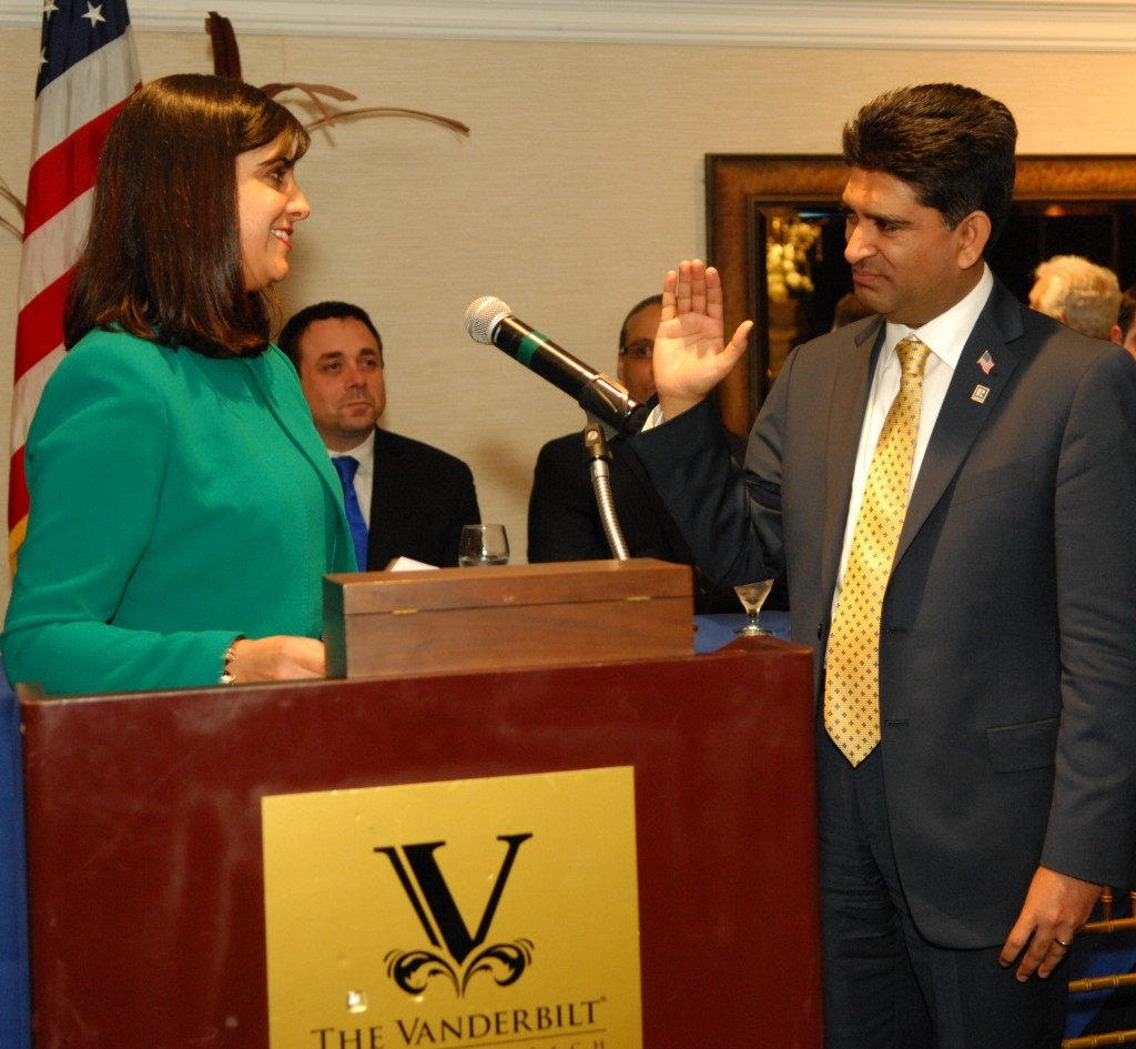 Assemblywoman Nicole Malliotakis inducts Dilshad (Dil) Gillani as president of the Staten Island Board of Realtors. (Photo: Courtesy of the Staten Island Board of Realtors.)